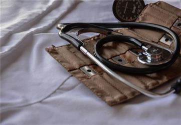 发现颈动脉斑块该怎么办,要不要马上手术?