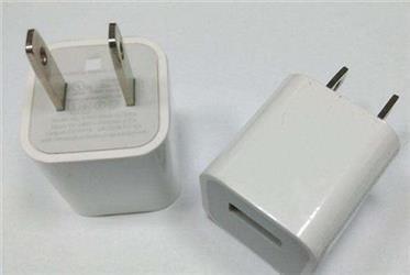 别把手机放床上充电!半数充电器不合格