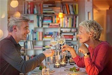 老人学习多项新技能 或让大脑年轻30岁