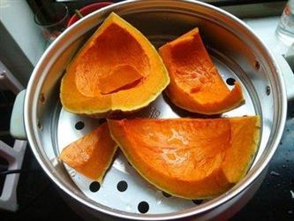 金色秋季适合吃南瓜但糖尿病人不要多吃