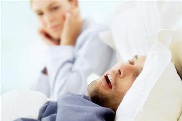 打鼾不是睡得香!想睡好觉,先卧心后卧眼