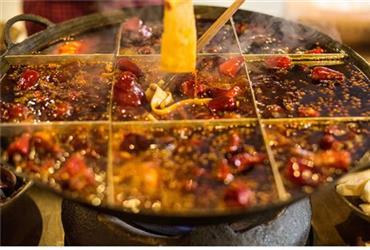 如何在冬季健康吃火锅?3个注意事项应牢记
